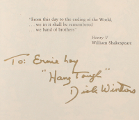 "Richard Winters Signed ""Band of Brothers"" Softcover Book Inscribed ""Hang Tough"" (Beckett LOA) at PristineAuction.com"