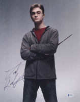 "Daniel Radcliffe Signed ""Harry Potter"" 11x14 Photo (Beckett COA) at PristineAuction.com"