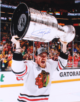 Andrew Shaw Signed Blackhawks 16x20 Photo (SideLine Hologram) at PristineAuction.com