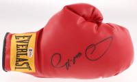 Oscar De La Hoya Signed Everlast Boxing Glove (Beckett COA) at PristineAuction.com