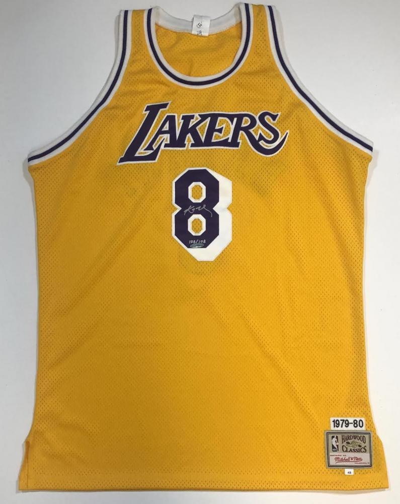 Kobe Bryant Signed LE Lakers Jersey (UDA COA)   Pristine Auction