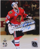 Kris Versteeg Signed Blackhawks 8x10 Photo (SideLine Hologram) at PristineAuction.com