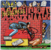 "Snoop Dogg Signed ""Doggystyle"" Vinyl Record Album Cover (AutographCOA COA) at PristineAuction.com"