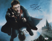 "Daniel Radcliffe Signed ""Harry Potter"" 11x14 Photo (PSA COA) at PristineAuction.com"