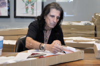 Alice Cooper Signed Full-Size Electric Guitar (JSA COA) at PristineAuction.com