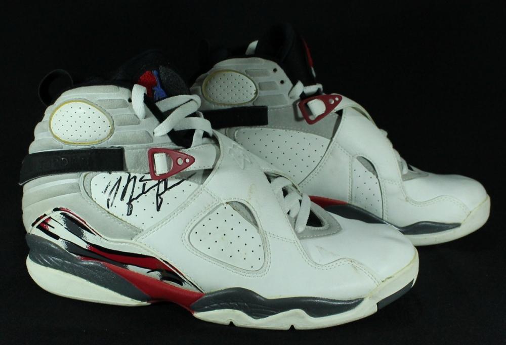 Michael Jordan 1992-93 Game-Used Nike Air Jordan Shoes (Grey Flannel LOA
