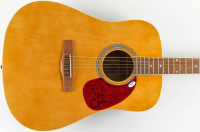 "Reba McEntire Signed 38"" Acoustic Guitar Inscirbed ""Love"" (PSA Hologram) at PristineAuction.com"