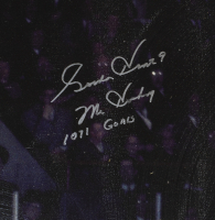 """Gordie Howe Signed Red Wings 27x41 Stretched Canvas Inscribed """"Mr. Hockey"""" & """"1071 Goals"""" (Beckett COA) at PristineAuction.com"""