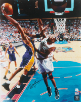 Kobe Bryant Signed Lakers 16x20 Photo (PSA COA) at PristineAuction.com