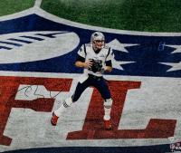 Tom Brady Signed Patriots 16x20 Photo (Fanatics Hologram) at PristineAuction.com