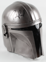 "Pedro Pascal Signed ""The Mandalorian"" Din Djarin Full-Size Helmet (Beckett COA) at PristineAuction.com"