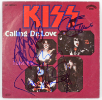"""Love Gun"" 45 RPM Vinyl Record Album Sign by (4) With Gene Simmons, Ace Frehley, Paul Stanley & Peter Criss (Beckett LOA) at PristineAuction.com"