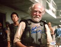"Scott Wilson Signed ""The Walking Dead"" 8x10 Photo (PSA COA) at PristineAuction.com"