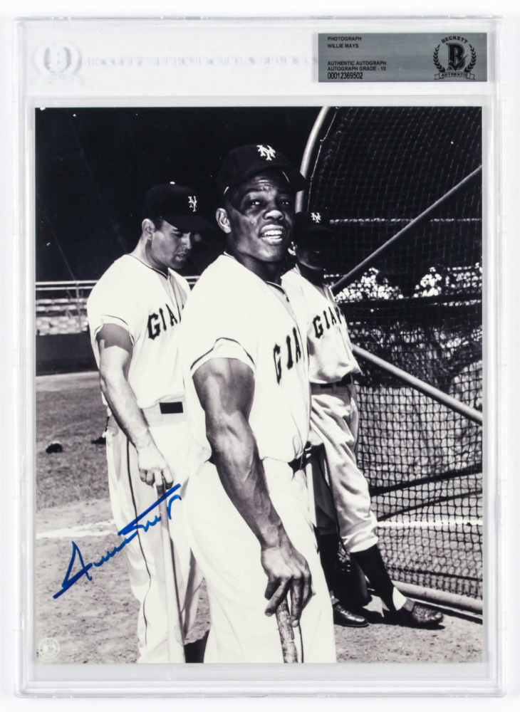 Willie Mays Signed Giants 8x10 Photo (BGS Encapsulated) at PristineAuction.com