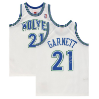 Kevin Garnett Signed Timberwolves Jersey (Fanatics Hologram) at PristineAuction.com