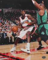 Greg Oden Signed Blazers 11x14 Photo (PSA COA) at PristineAuction.com