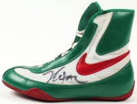 Julio Cesar Chavez Signed Nike Boxing Shoe (Beckett COA) at PristineAuction.com