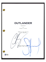 "Sam Heughan & Caitriona Balfe Signed ""Outlander"" Episode Script (Beckett COA) at PristineAuction.com"