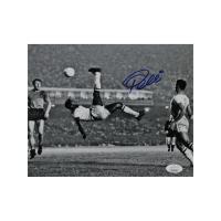 Pele Signed Brazil 8x10 Photo (JSA Hologram) at PristineAuction.com