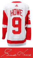 Gordie Howe Signed Red Wings Jersey (Schwartz Sports COA) at PristineAuction.com