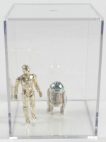 """Lot of (2) Original 1977 Hasbro """"Star Wars"""" Action Figures with C-3PO & R2-D2 with Display Case at PristineAuction.com"""