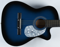 "Faith Hill Signed 38"" Acoustic Guitar (Beckett COA) at PristineAuction.com"