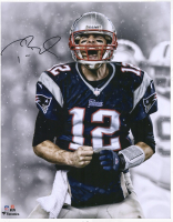 Tom Brady Signed 16x20 Photo (Fanatics Hologram) at PristineAuction.com