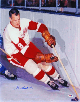 "Gordie Howe Signed Red Wings 16x20 Photo Inscribed ""Mr. Hockey"" (PSA COA) at PristineAuction.com"