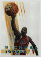 Michael Jordan 1996-97 Bowman's Best Shots Atomic Refractors #BS6 at PristineAuction.com