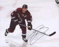 Joe Sakic Signed Avalanche 8x10 Photo (PSA COA) at PristineAuction.com