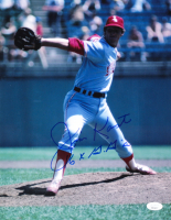 "Jim Kaat Signed White Sox 11x14 Photo Inscribed ""16x G.G.'s"" (JSA COA) at PristineAuction.com"