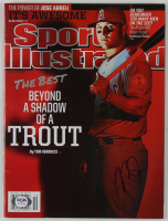 Mike Trout Signed 2014 Sports Illustrated Magazine (PSA Hologram) (See Description) at PristineAuction.com