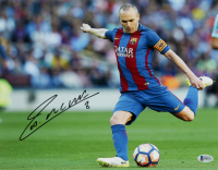 Andres Iniesta Signed FC Barcelona 11x14 Photo (Beckett COA) at PristineAuction.com