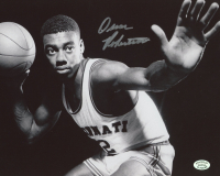 Oscar Robertson Signed Royals 8x10 Photo (Stacks of Plaques COA) at PristineAuction.com