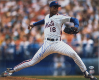 Dwight Gooden Signed Mets 16x20 Photo (Beckett COA) at PristineAuction.com