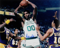 Robert Parish Signed Celtics 8x10 Photo (TriStar Hologram) at PristineAuction.com