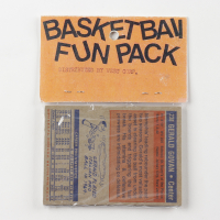 1972 Topps Basketball Card Fun Pack with (10) Cards at PristineAuction.com