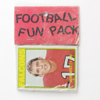 1972 Topps Football Card Fun Pack with (10) Cards at PristineAuction.com