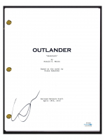 "Sophie Skelton Signed ""Outlander"" Pilot Episode Script (AutographCOA COA) at PristineAuction.com"