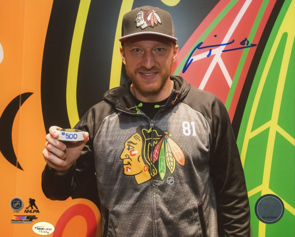 Marian Hossa Signed Blackhawks 8x10 Photo (SideLine Hologram) at PristineAuction.com