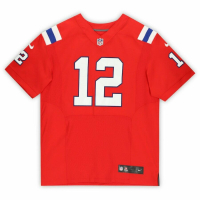 Tom Brady Signed Patriots Jersey (Fanatics Hologram) at PristineAuction.com