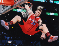 Blake Griffin Signed Clippers 11x14 Photo (PSA Hologram) (See Description) at PristineAuction.com