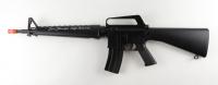"Tom Berenger Signed ""Platoon"" Replica Air Soft Rifle Incribed ""SSG Barnes"" (JSA COA) at PristineAuction.com"