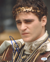 "Joaquin Phoenix Signed ""Gladiator"" 8x10 Photo (AutographCOA COA) at PristineAuction.com"