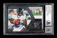 Michael Vick Signed 2003 Upper Deck Super Powers #SP7 (BGS Encapsulated) at PristineAuction.com