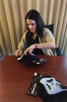"Neve Campbell Signed ""Scream"" Ghost Face Mask (Radtke Hologram) at PristineAuction.com"