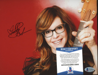 Lisa Loeb Signed 8x10 Photo (Beckett COA) at PristineAuction.com
