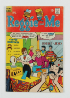 """1969 """"Reggie and Me"""" Issue #35 Close-Up Comic Book at PristineAuction.com"""