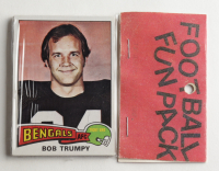 1975 Topps Football Card Fun Pack with (10) Cards at PristineAuction.com