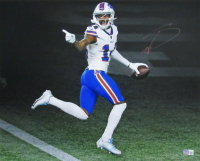 Stefon Diggs Signed Bills 16x20 Photo (Beckett Hologram) at PristineAuction.com